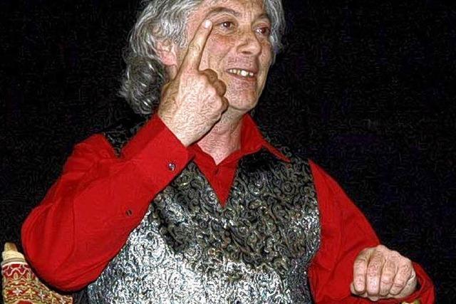 Sessel und Publikum beflügeln Kurt Fröhlich