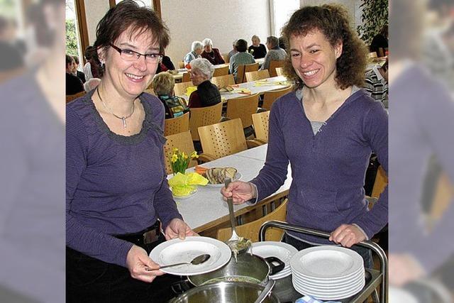 Beim Tratsch über den Suppentellerrand geblickt