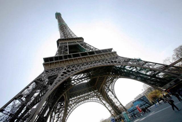Der Eiffelturm wird gestrichen