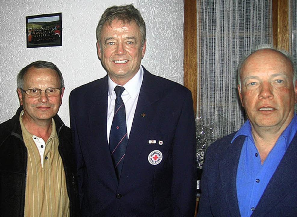 Hubert Kopp, Hans-Dieter Dick und Karl...n seit vielen Jahren beim DRK  aktiv.   | Foto: Hilger