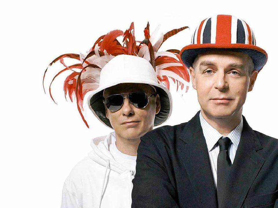 Sie können auch lächeln, die Briten:  ...Boys Chris Lowe (l.) und Neil Tennant.  | Foto: Perou / Promo