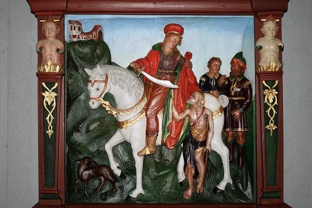 Holzrelief St. Martin erstrahlt in neuem Glanz