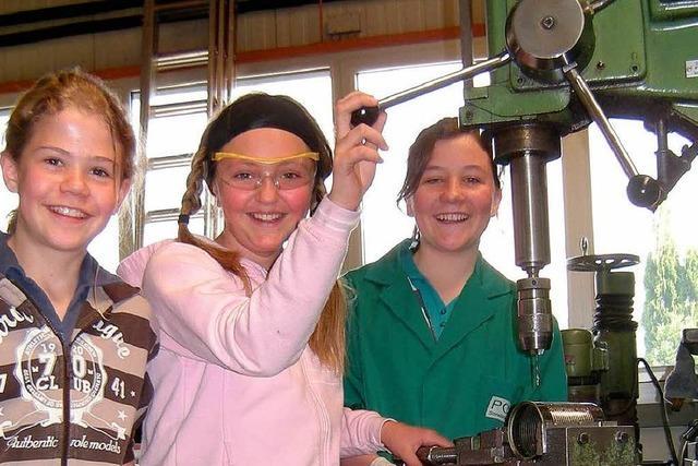 Beim Girls' Day über die Jobgrenzen geschnuppert