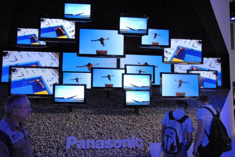 Das Thema Flachbildfernsehgeräte beher...zung von TV und Internet zu tun haben.    Foto: Hans P. Wühler