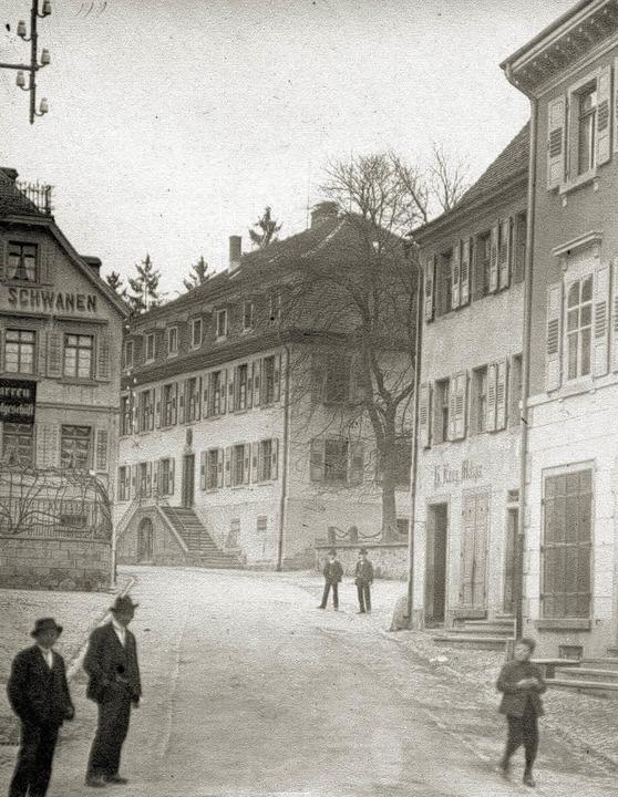Die  Wilhelmstraße in Müllheim  um die Jahrhundertwende.    | Foto: Privat