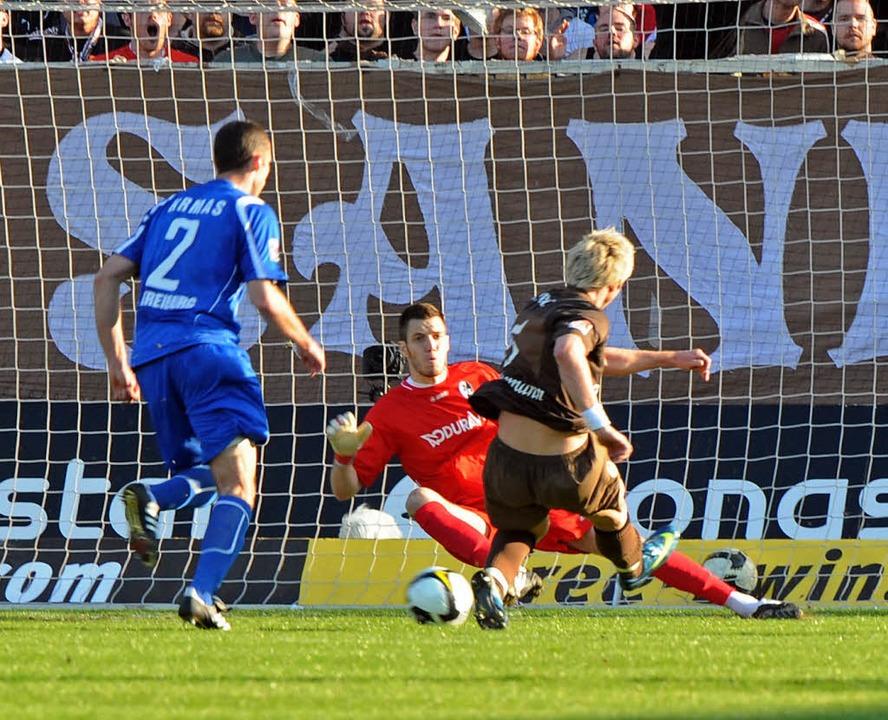 Da sah es noch nicht so gut aus für Ta...: St. Paulis Führung durch Brunnemann.  | Foto: Michael Heuberger