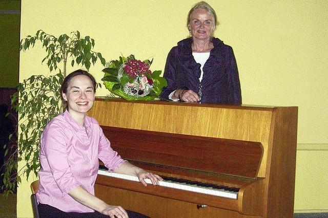 Ein Klavier für die Schule