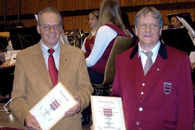 Musikverein Blumegg hat zwei neue Ehrenmitglieder
