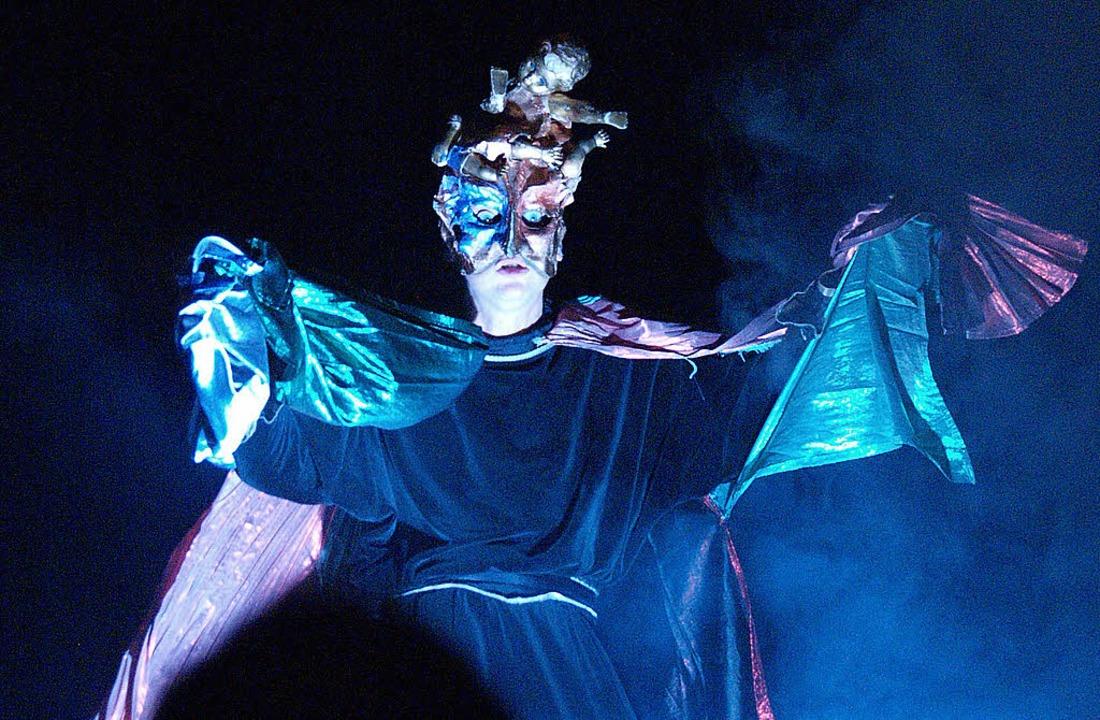 Ein Verwandlungskünstler auf der Bühne: Bernd Lafrenz   | Foto: bz