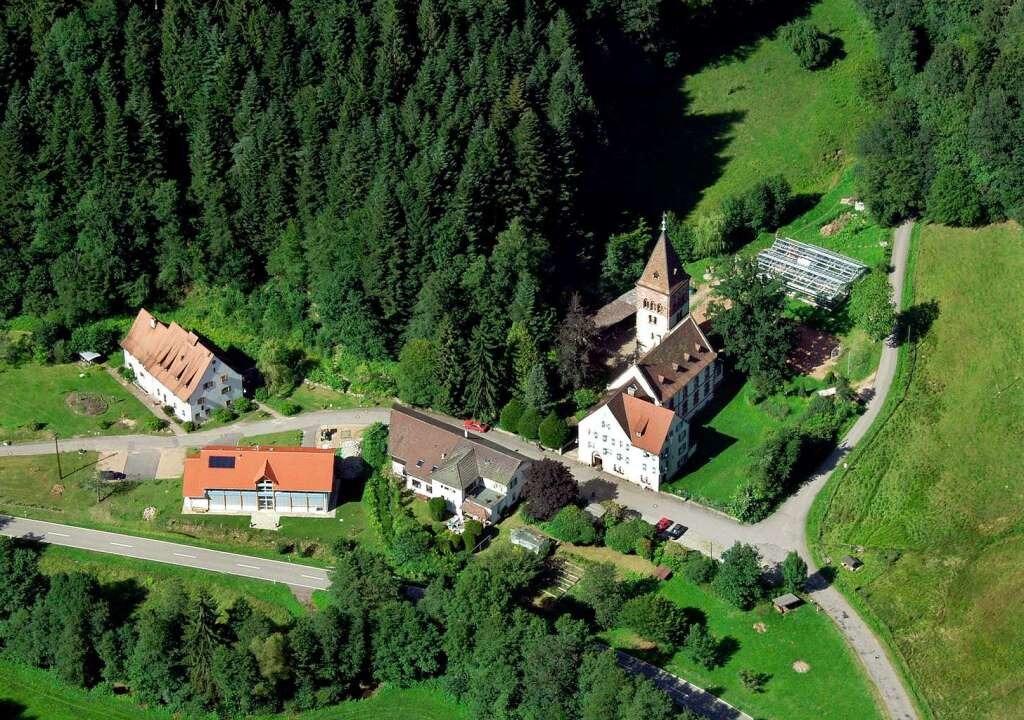 In der Nähe des Klosters Weitenau (rec...rde, lag das Epizentrum des Erdbebens.  | Foto: Erich Meyer