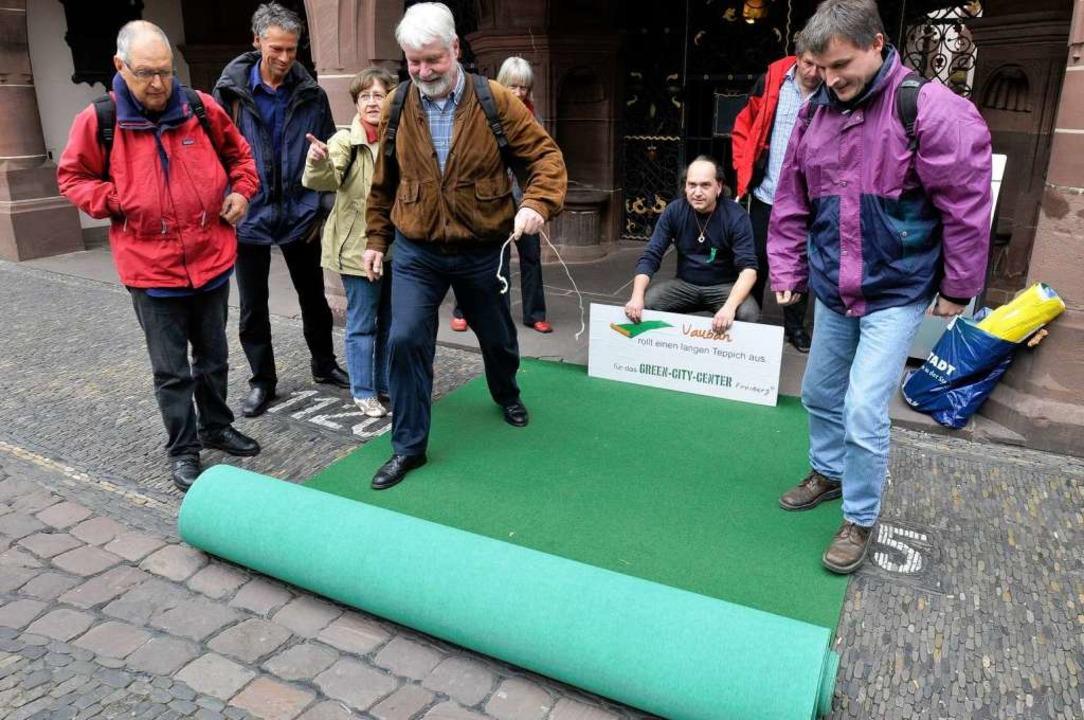 Der Protest vor dem Rathaus hat nichts...dstücks für das Green Business Center.    Foto: Ingo Schneider