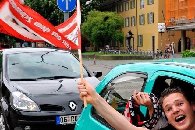 SC Freiburg: Autokorsole zum Aufstieg