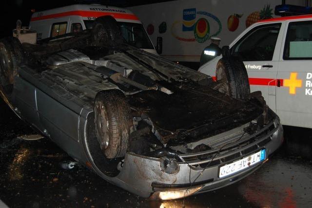 Auto überschlagen – Fahrerin schwer verletzt