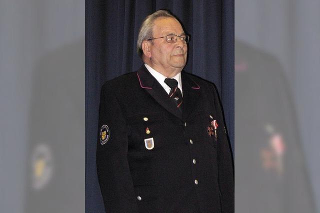 Feuerwehr ehrt Mitglieder