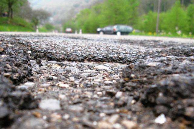 Frost setzte Straßenbelägen stark zu