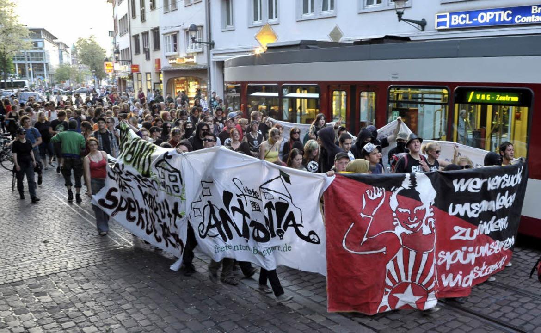 Das Ziel der Demonstranten: Das Antoniushaus in der Freiburger Wiehre.  | Foto: Thomas Kunz
