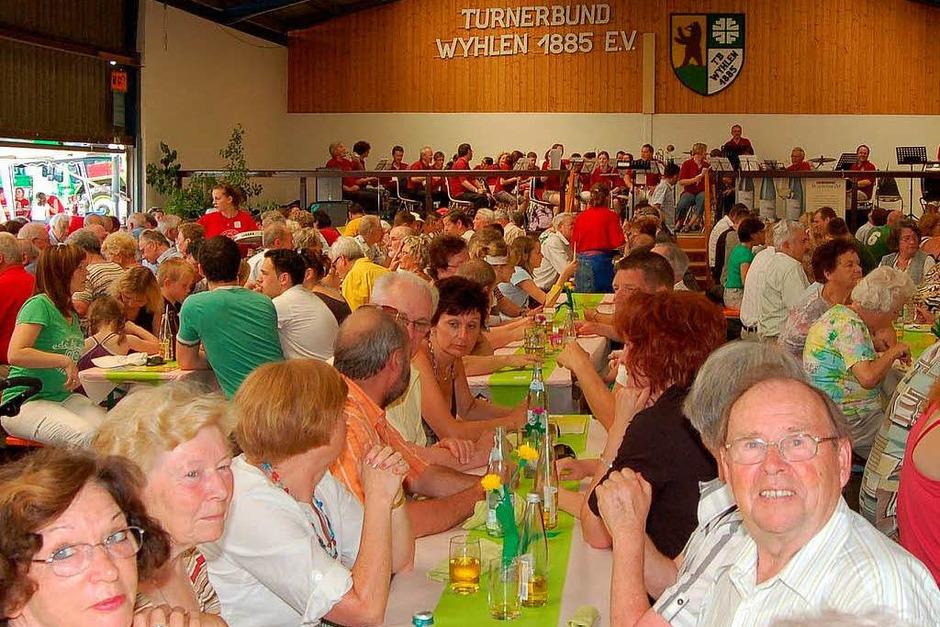 Das Spargel- und Erdbeerfest war ein voller Erfolg. Die Stimmung war bei Groß und Klein prächtig. (Foto: Vollmar)