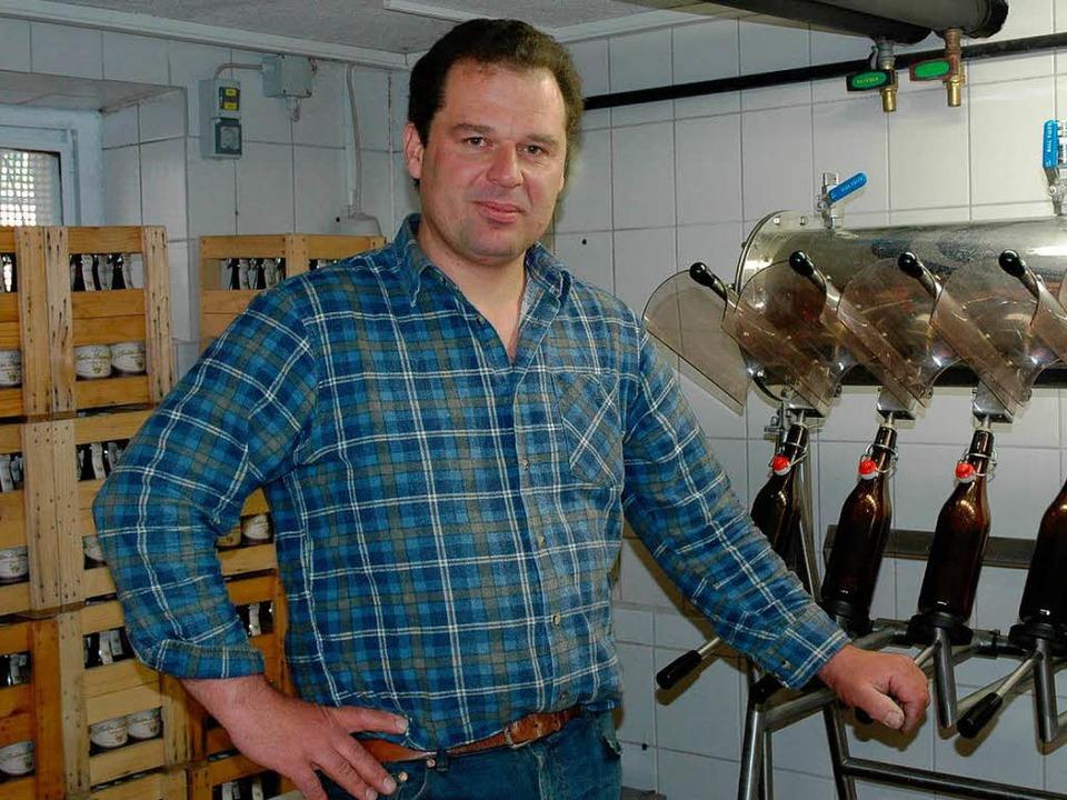 Andreas Mülhaupt besitzt die kleinste Brauerei im Landkreis.   | Foto: Wussler