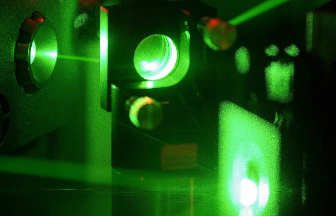 Eine von Plenios Visionen: der Quanten... der Laser zum Manipulieren der Atome)  | Foto: visum/Afp