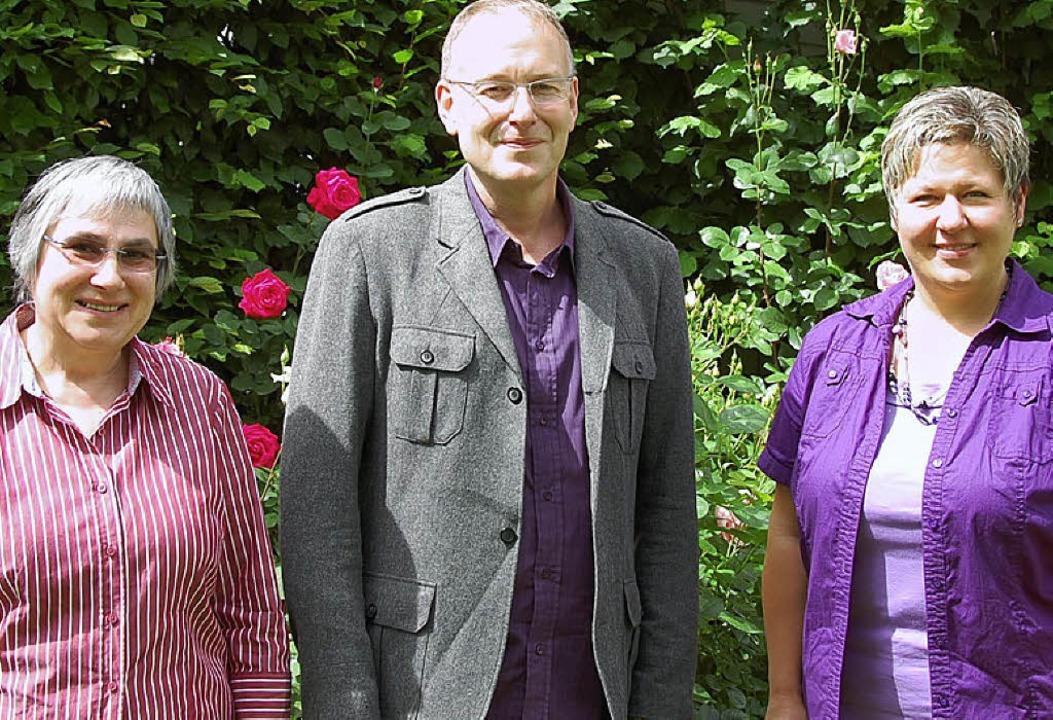 Jutta Vincent (Förderkreis Hospiz), Ge...eide Sozialstation Weil, von links).      Foto: Herbert Frey