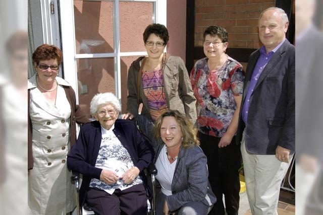 Pauline Held feiert ihren 100. Geburtstag