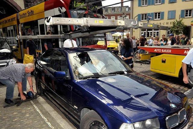 Falschparker legt die Straßenbahn lahm