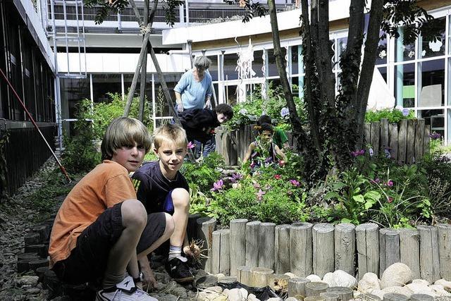 Gelage im Garten der Michael-Friedrich-Wild-Schule