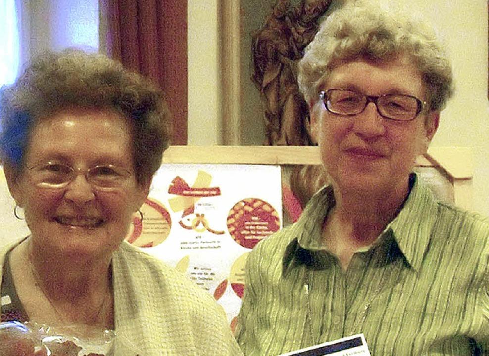Rina Schmieder (links) wurde von Rita Jungel geehrt.     Foto: G. Killius