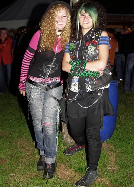 Diese Mädels hatten richtig Spaß beim Rock am Bruch.   | Foto: Sike Hartenstein