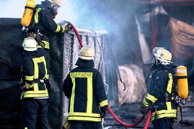 Großbrand in Kiel: Paraffin-Tanks explodiert