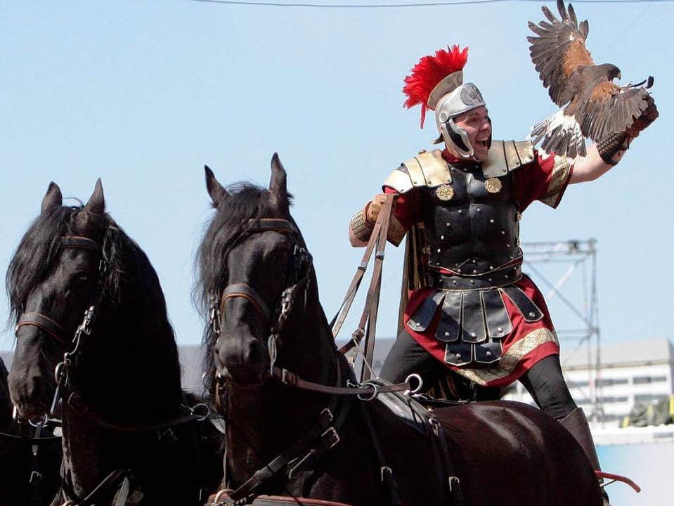 Verkleideter römischer Soldat.  | Foto: ddp