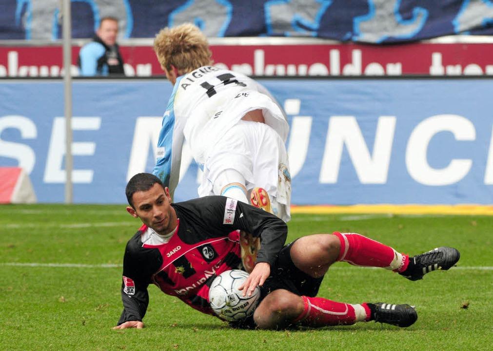 Das Kicker-Sportmagazin hat Ömer Topra...er Fußball spielen kann, ist ungewiss.  | Foto: dpa