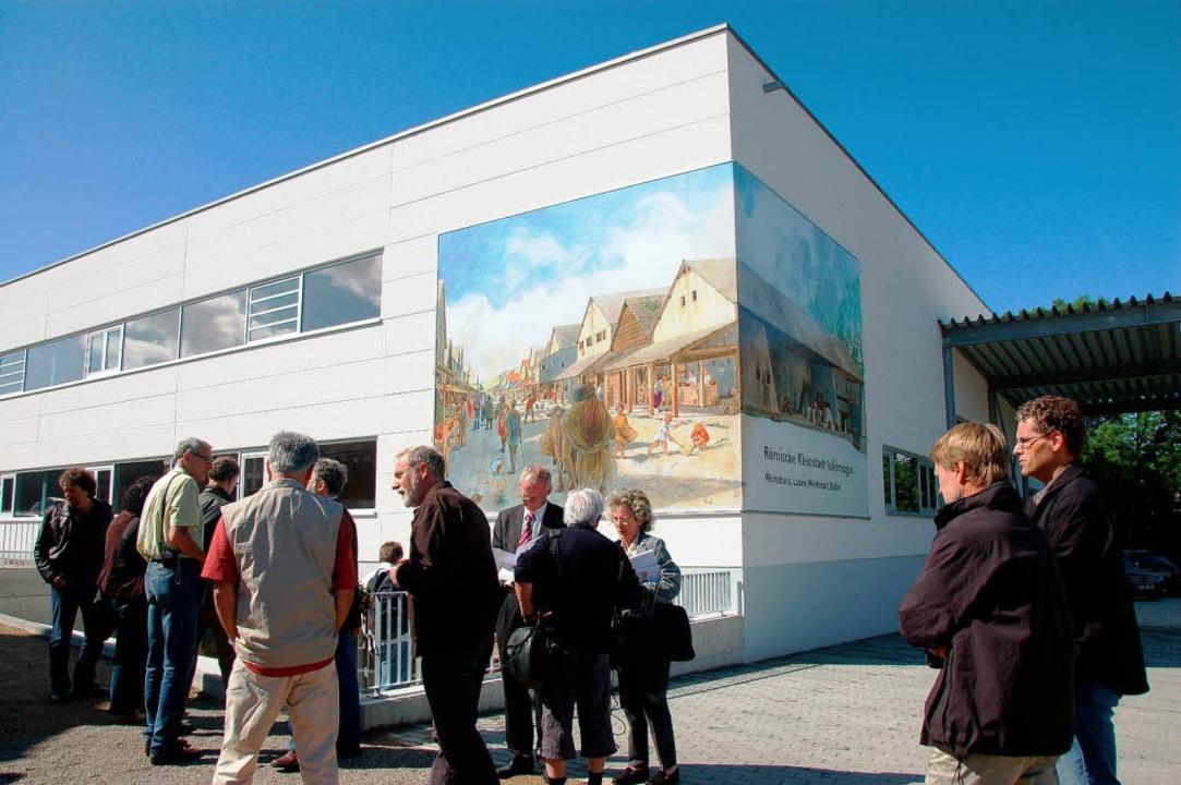 Wandbild  ziert die Fassade  des römischen Museums in Schleitheim als Blickfang.  | Foto: Jutta Binner-Schwarz
