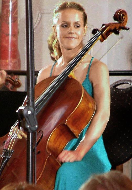<Bildtext> Sol Gabetta beim Konzert im Schweizer Rheinfelden. </Bildtext>  | Foto: Roswitha Frey