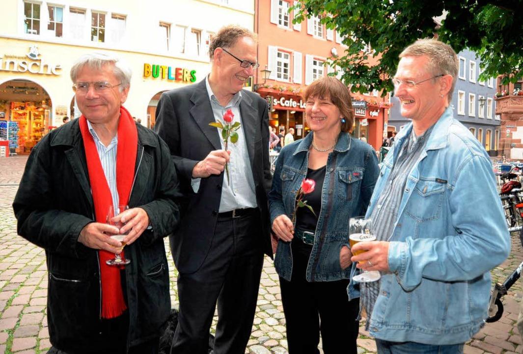 Das Quartett der Linken Liste im neuen...chubert, Hendrijk Guzzoni (von links).    Foto: Rita Eggstein