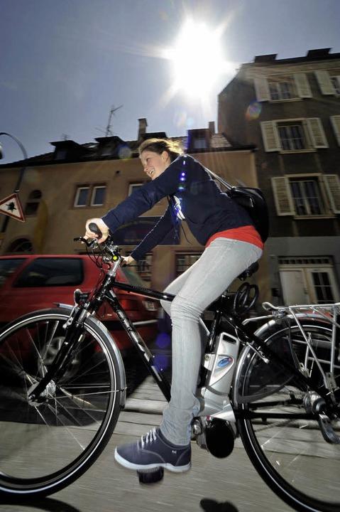 Katharina Blümke aus Sölden fährt Elektrorad.  | Foto: Thomas Kunz