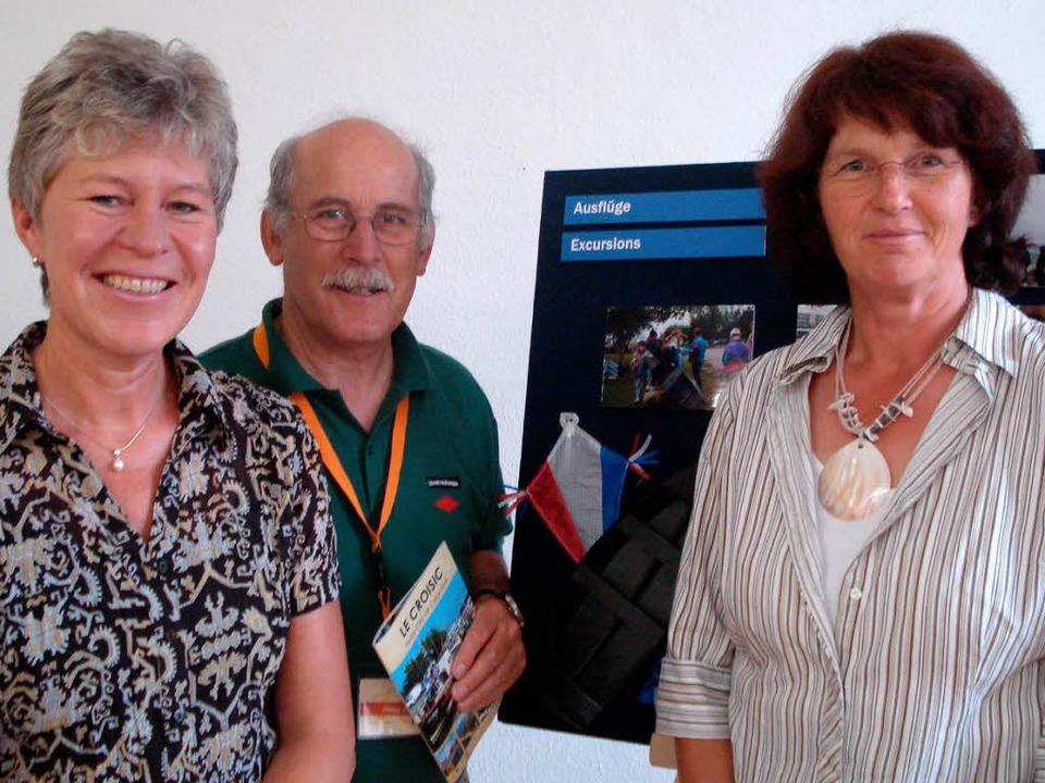 Haben die Bilder von zehn Pfingstbesuc... Philipp, Helga  Gersbach  (von links)  | Foto: Anka Fricker
