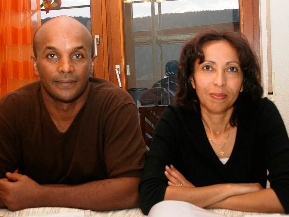 Dinahs Eltern sind erleichtert, dass der lange Streit zu Ende ist.  | Foto: Heiner Fabry