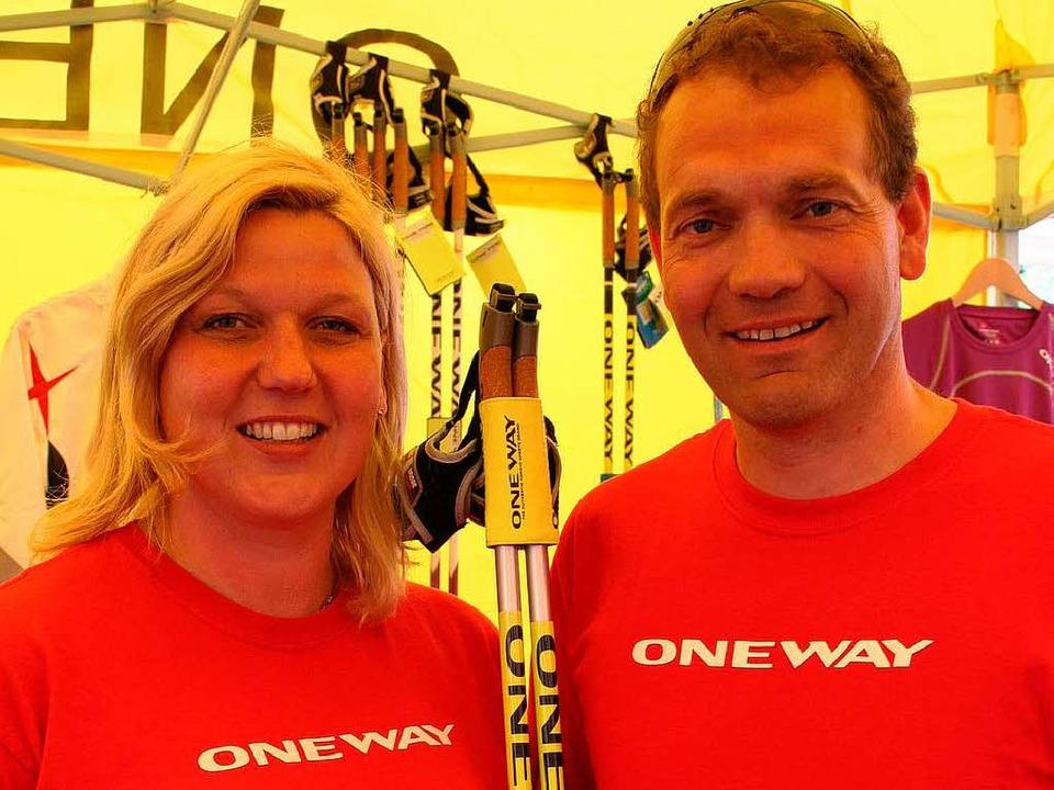 Ulla und Andreas Bennert beim Nordic Walking Gipfel in Breitnau.    Foto: Dieter Maurer