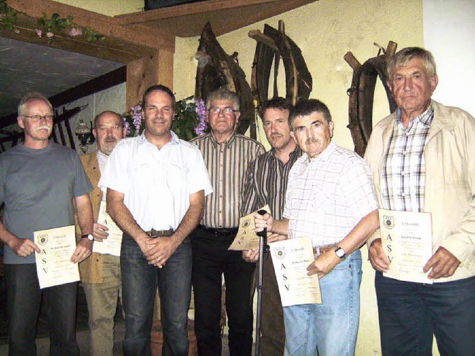 Der bisherige Sportvorstand Michael Gr...ldinger, WilliPless und Josef Schopp.     Foto: martin ehret