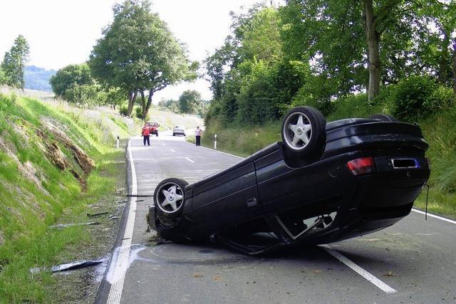 Auto hat sich überschlagen