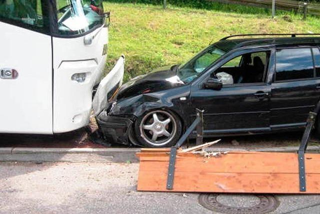 Spektakulärer Verkehrsunfall in Hornberg