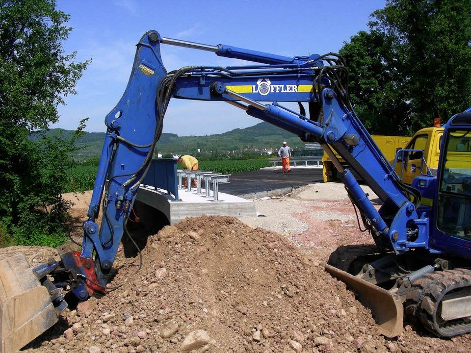 Der Bau der Brücke der künftigen B 31 ...ottenheim-Ost ist schon weit gediehen.  | Foto: Schöneberg