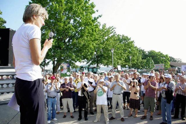 Bürgerinitiative MUT blockiert Halle