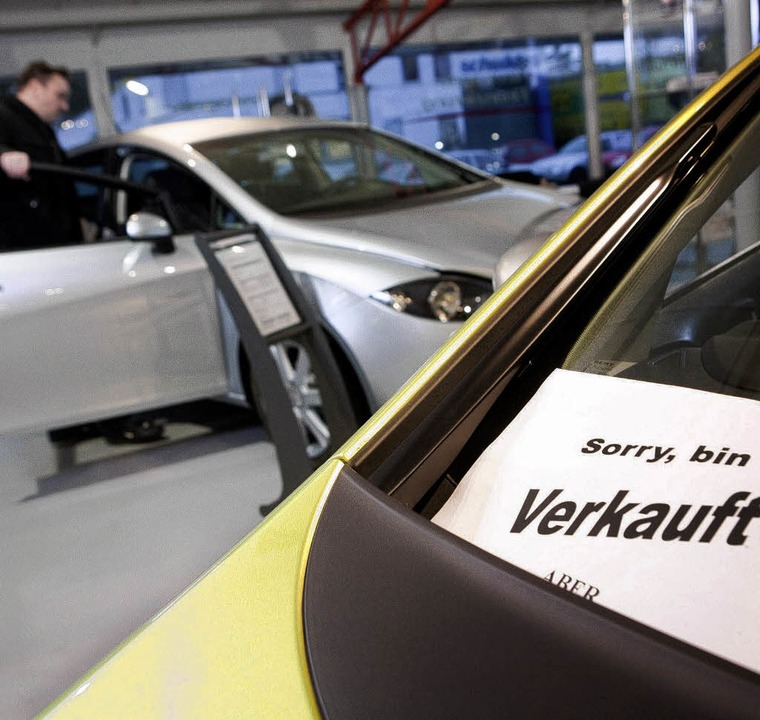 Der Bauch entscheidet: Beim Autokauf s...lle, sagen Verhaltenswissenschaftler.   | Foto: dpa