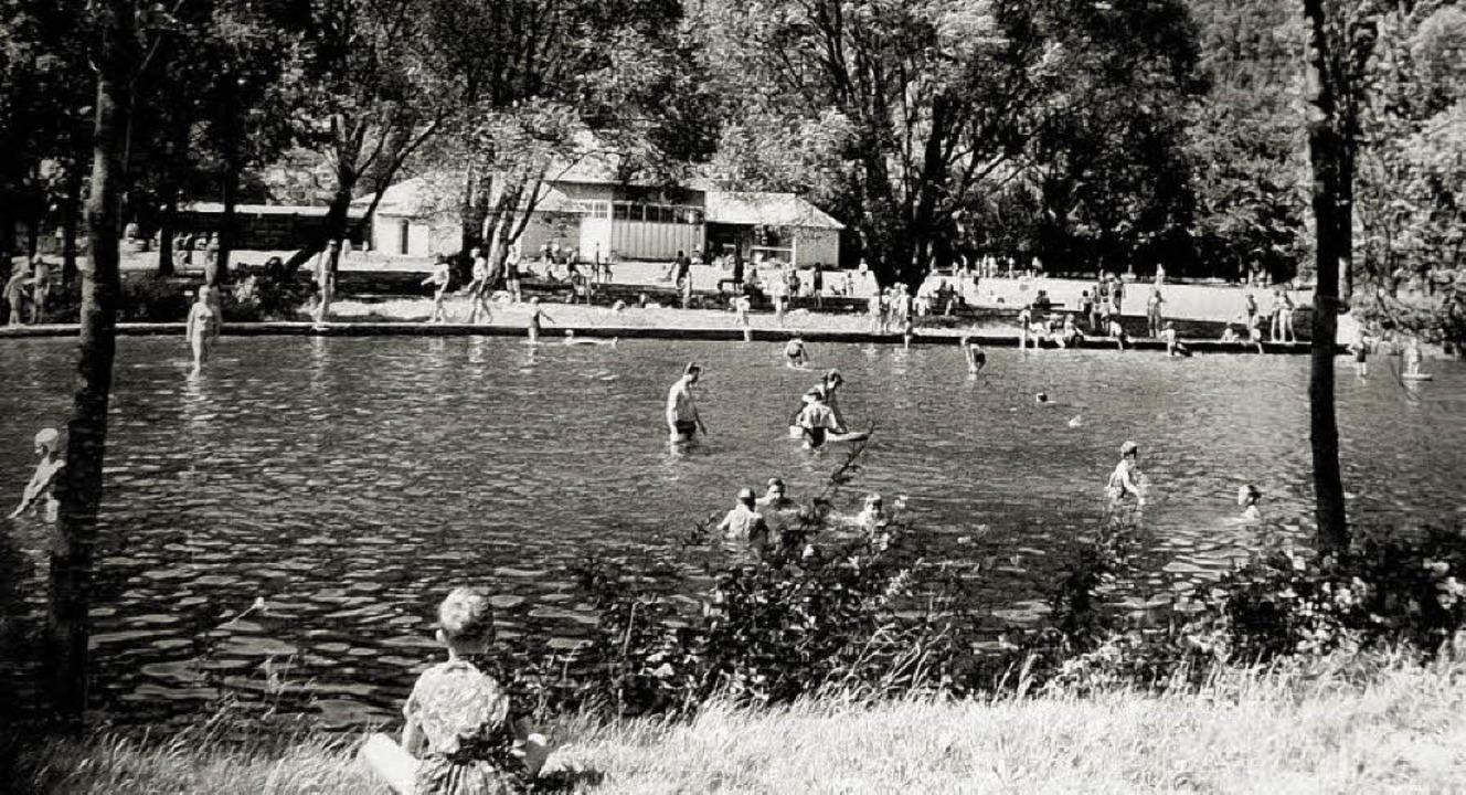 Sehr geschätzt im mittleren unteren El...r das Strandbad in der Elz in Kollnau.  | Foto: Eberhard Weiß - Repro