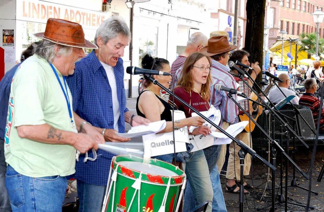 Mit Musik wurde das Berbertreffen in der Offenburger Innenstadt eröffnet.