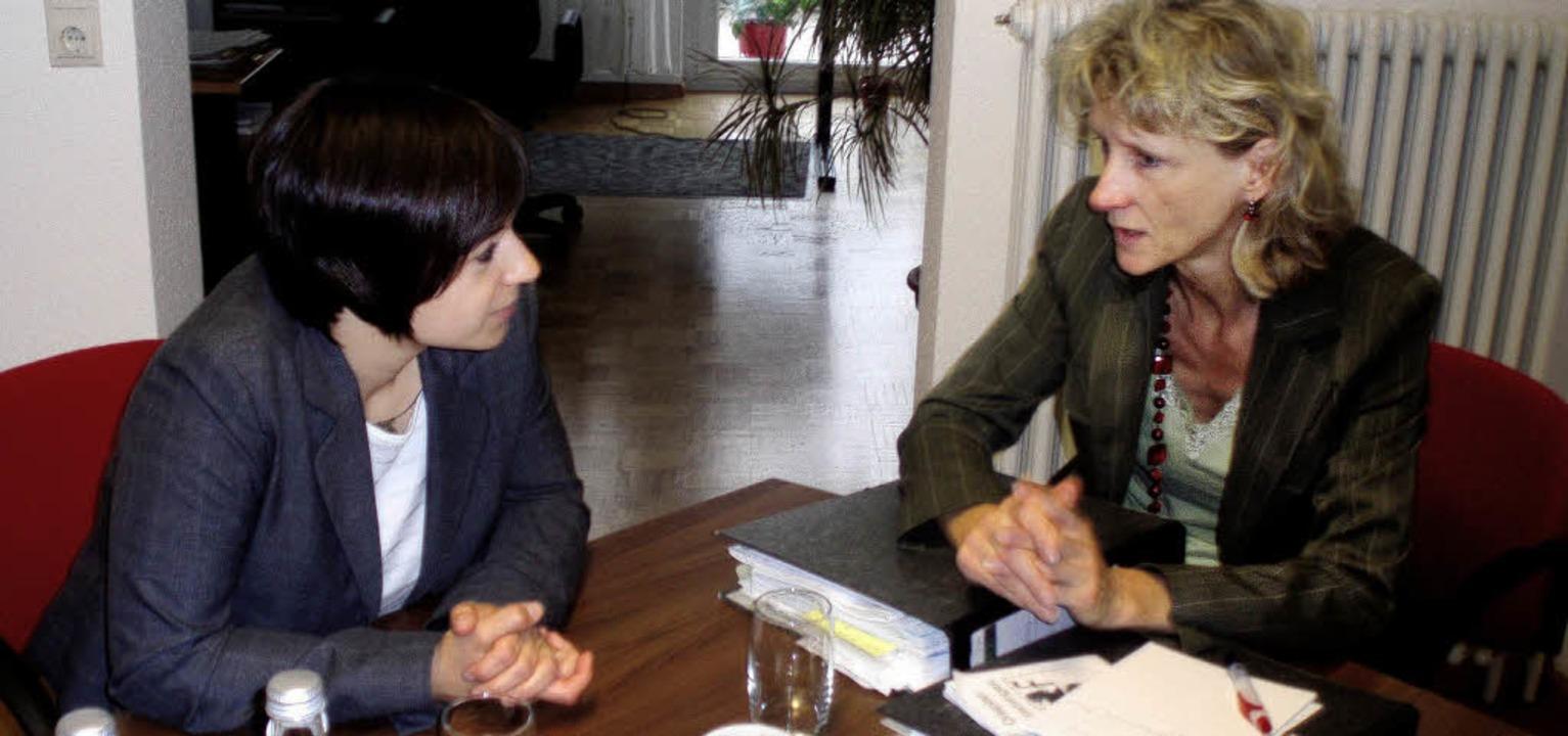 Zwei Frauen entdecken Freiheitskämpfer...rmeisterin Daniela Meier im Gespräch.     Foto: privat