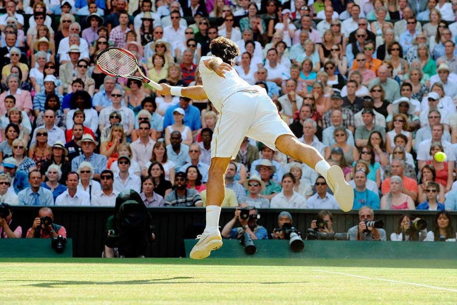 In fünf Sätzen erkämpfte sich Roger Federer seinen sechsten Wimbledon-Sieg. (Foto: dpa)