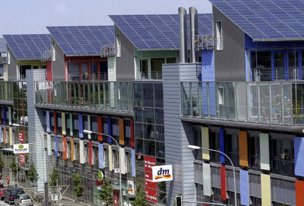 Dischs energieeffizientes Vorzeigeproj...auban zum Wohnen, Arbeiten, Einkaufen   | Foto: Ingo Schneider, BZ